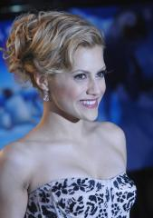 Brittany Murphy's mother blasts father's foul play claim