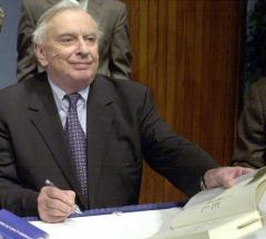 Author Gore Vidal dies at 86