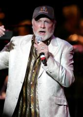 Beach Boys to perform at Grammys
