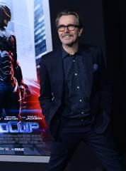Gary Oldman slams political correctness, vehemently defends Mel Gibson, Alec Baldwin