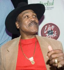 Donations sought for Joe Frazier statue