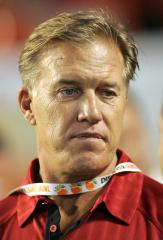Stanford to retire John Elway's number in November
