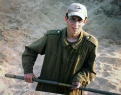 Israeli soldier's mother asks forgiveness