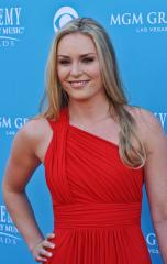 Lindsey Vonn to skip Winter Olympics over knee injury