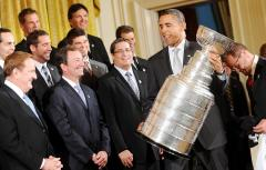 Obama greets NHL champs at White House