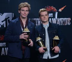 Jennifer Lawrence, 'Hunger Games' big winners at MTV Movie Awards
