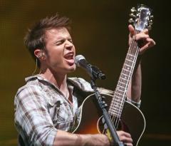 'Idol's' Kris Allen headed to Haiti