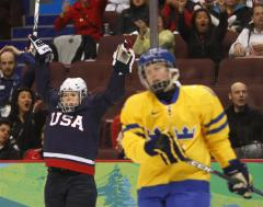 Caitlin Cahow, other gay athletes tapped for Sochi Olympic delegation