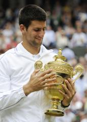 Wimbledon win would put Federer at No. 1