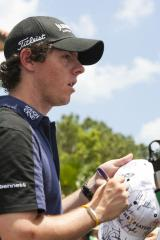 McIlroy in front at Dubai Desert Classic