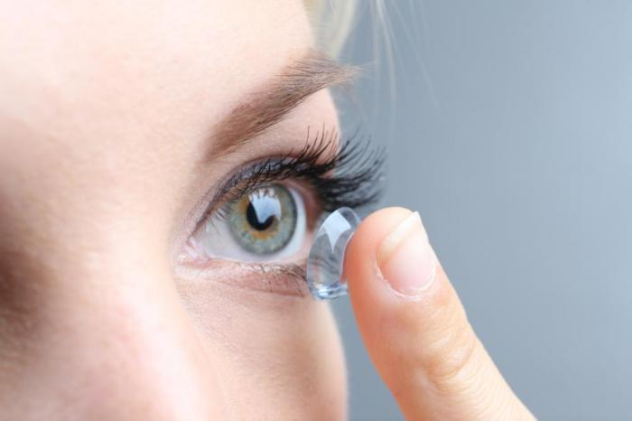 most people with contact lenses risk infection with bad