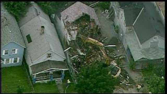 Ariel Castro S House In Cleveland Demolished Video Upi Com