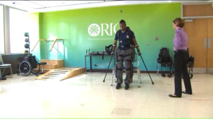 Chicago veteran walks again with exoskeleton