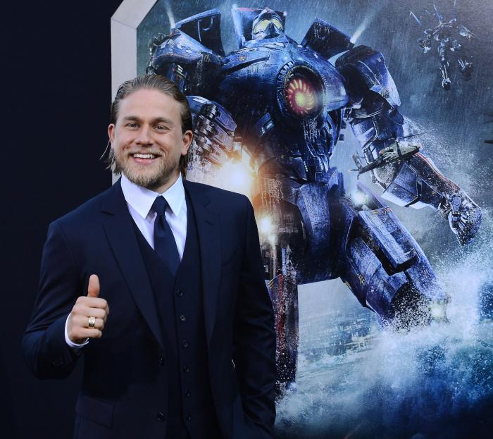 Sons Of Anarchys Charlie Hunnam has no problem with full