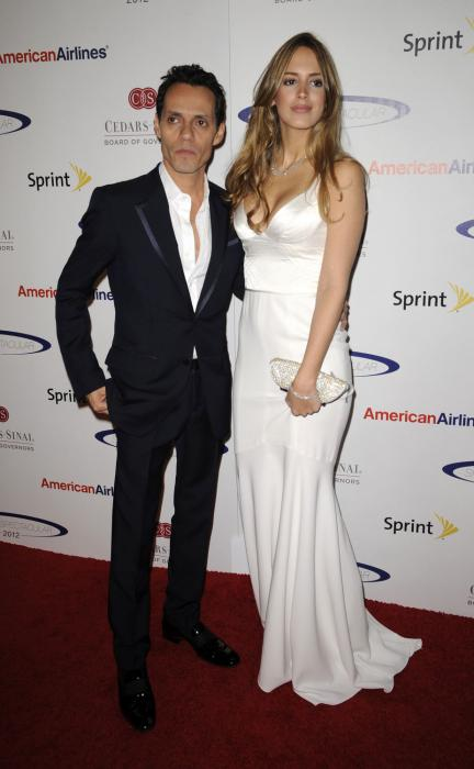Singer Wedding Dress Singer Marc Anthony Weds Model