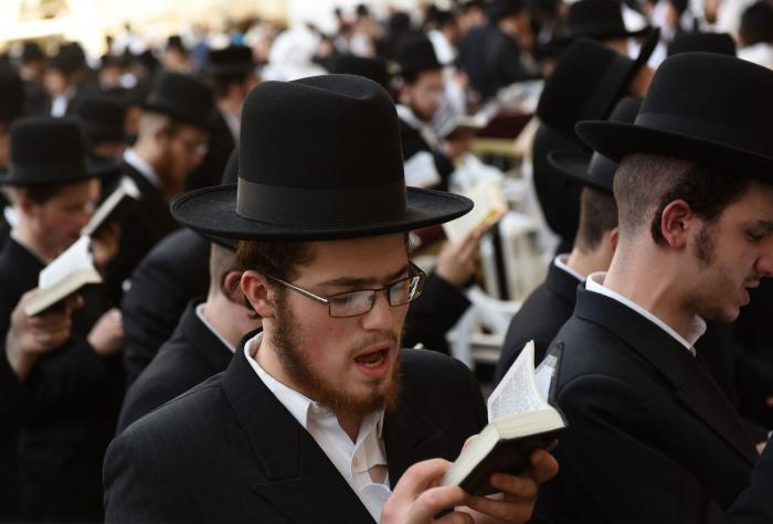 an analysis of the jewish holiday rosh hashanah Rosh hashanah (hebrew: ראש השנה  beginning of the year) is the jewish new year, and falls on the first and second days of the jewish month of tishrei (september/october) the mishnah , the core work of the jewish oral torah , sets this day aside as the new year for calculating calendar years and sabbatical and jubilee years.