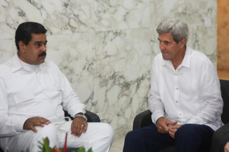 Kerry meets Venezuelan president amid escalating tensions