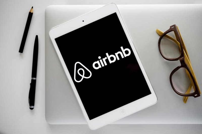 Airbnb to begin paying Los Angeles hotel tax in August
