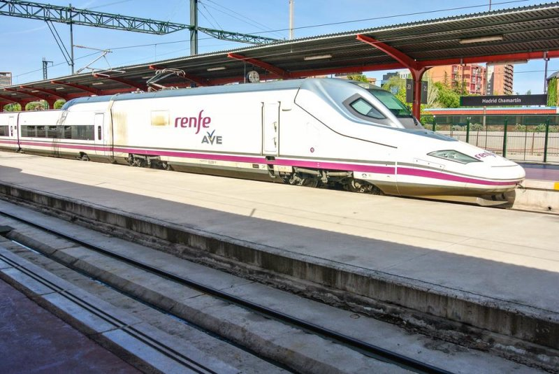 Blame in Spain as driver clocks off with passengers still on train