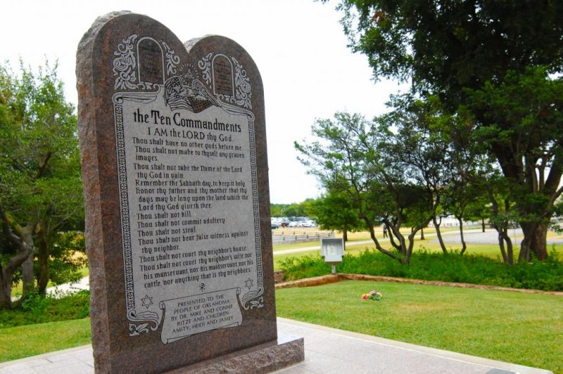 Ten Commandments removed from Oklahoma capitol