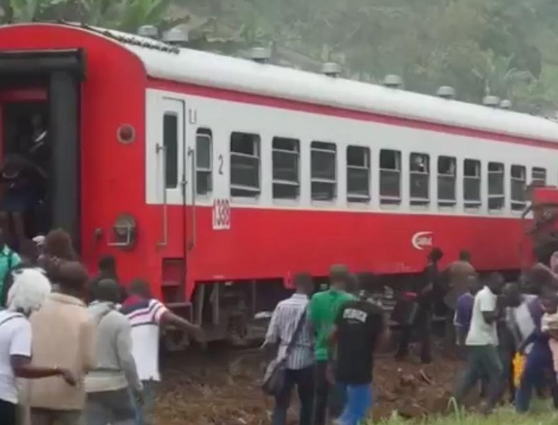 Cameroon rescuers search for bodies after train crash