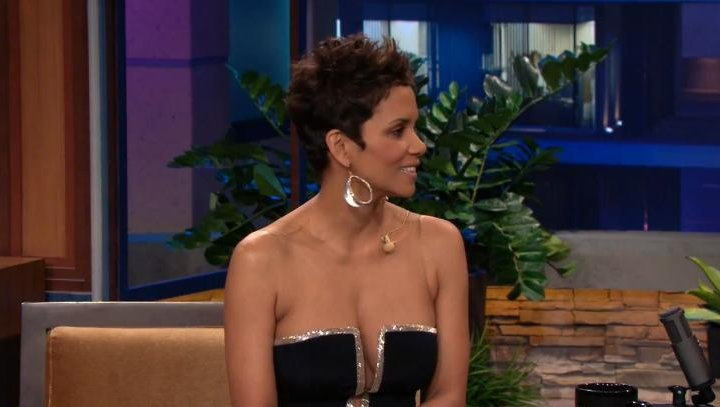 Halle Berry wore a low... Halle Berry College
