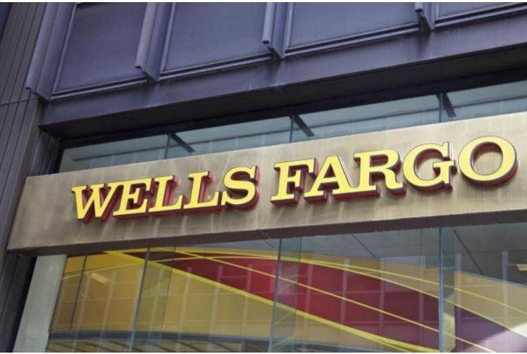 Wells Fargo seeks arbitration order in customer lawsuit