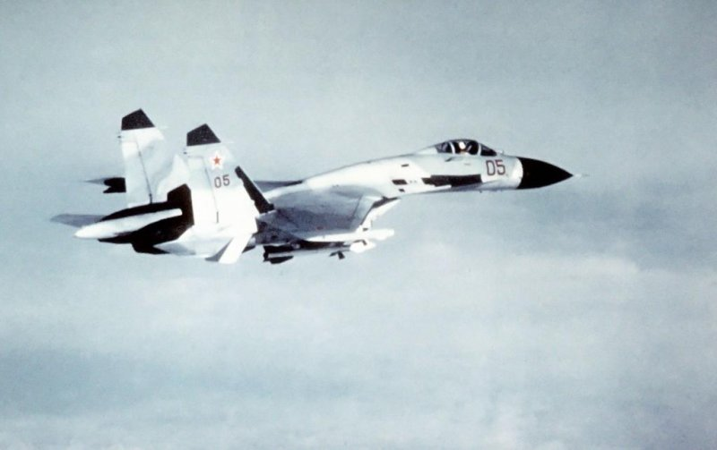 Russian fighter jet flies within 10 feet of Navy aircraft