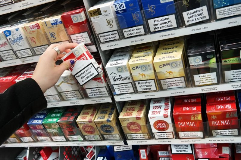 British tobacco ginats oppose package warnings