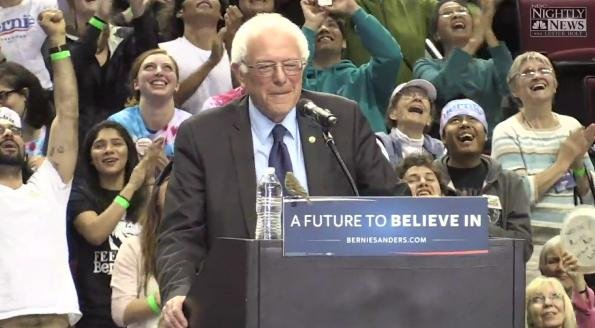 Bird perches on podium with Bernie Sanders; Portland crowd goes wild