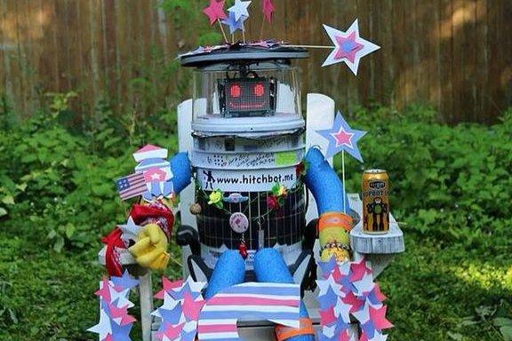 Hitchhiking robot begins journey across U.S….