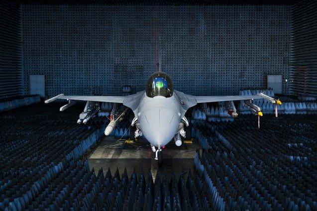 'Beam Me Up, Scotty': Harper to Build US Army Starship Barracks