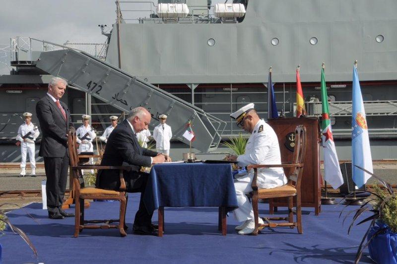 الجزائر تتسلم سفينتي الدعم و الانزال قلعة بني حماد 472 و قلعة بني راشد 473 Second-Algerian-Navy-logistics-ship-modernized