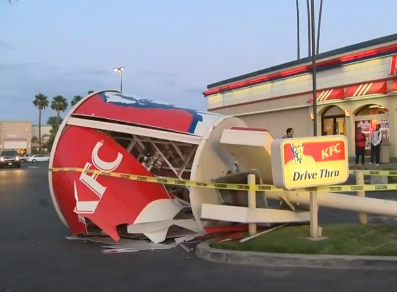 Strong winds knock down giant KFC bucket in Los Angeles ...