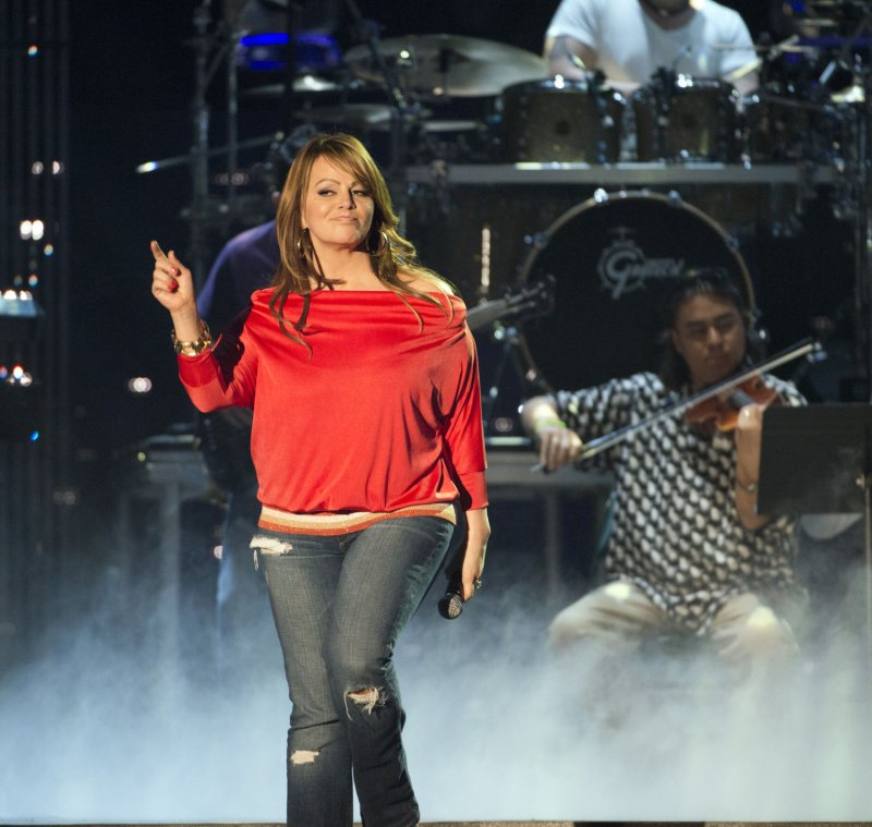 Jenni Rivera's daughter denies affair with stepfather