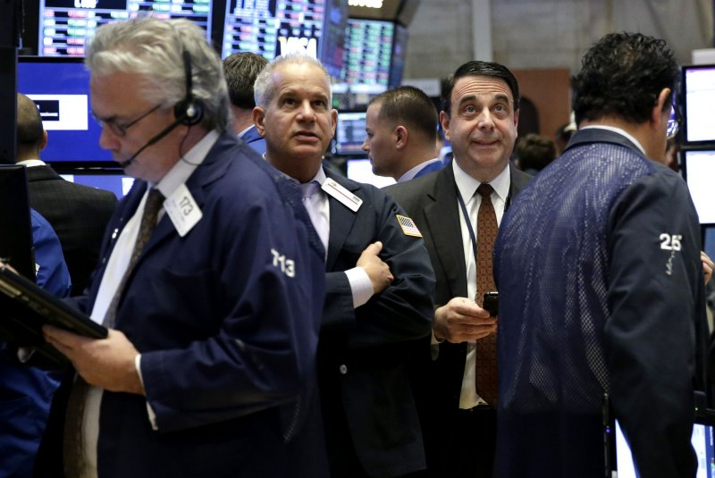 Stocks edge higher, still no Dow 20000