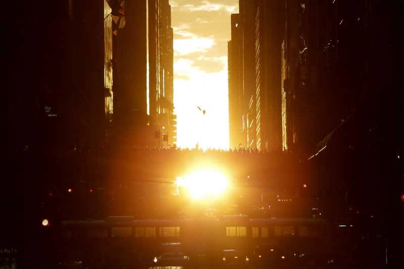 Manhattanhenge 2016: Get Your Instagrams Ready for the Last One This Year