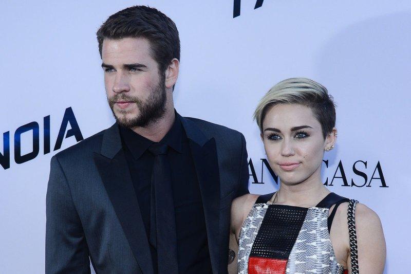 Miley Cyrus, Liam Hemsworth Visit Patients at Kids Hospital