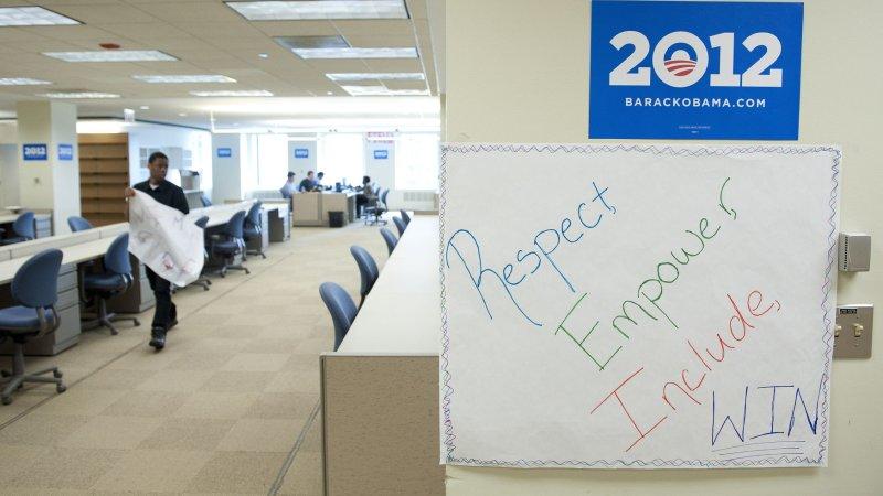 Obama campaign office window shot - UPI.com