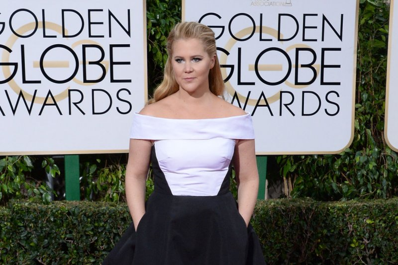 Amy Schumer opens book tour for essay collection