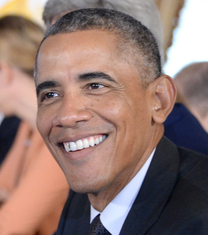 Gwyneth Paltrow Swoons Over 'handsome' President Obama