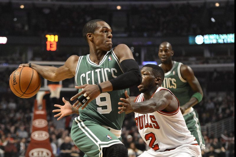 Rondo signs baffling deal with Bulls