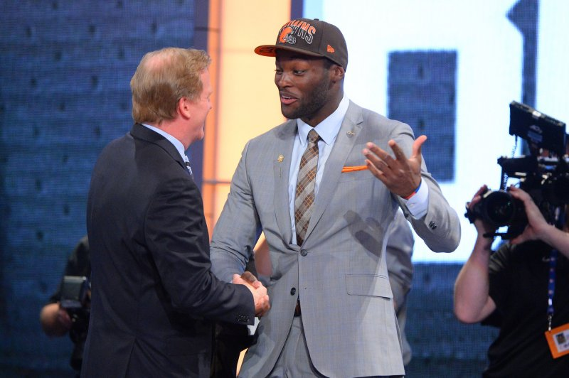 Browns trading linebacker Barkevious Mingo to Patriots
