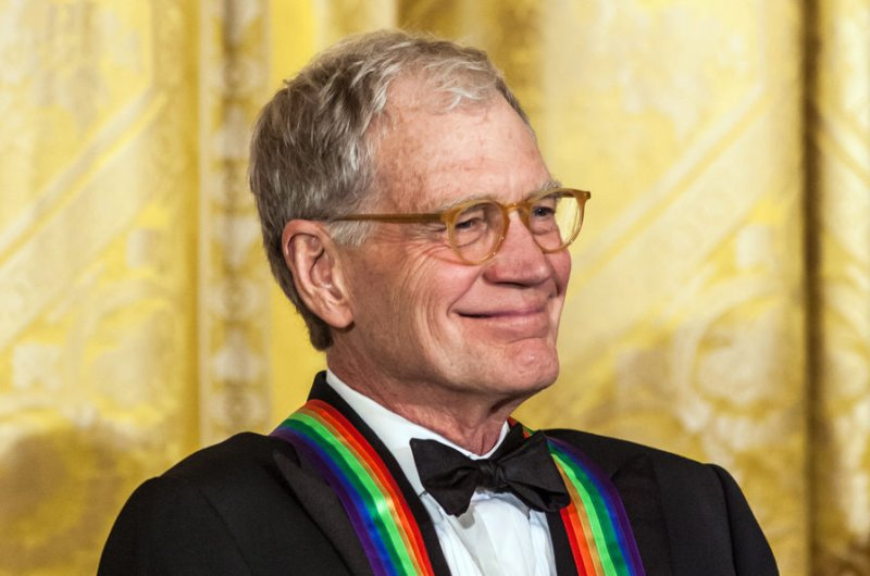 http://cdnph.upi.com/sv/b/upi/UPI-4401422627871/2015/1/886dbe625a551df1e5db6a056ca4b83f/David-Letterman-invites-Jay-Leno-to-appear-on-Late-Show.jpg