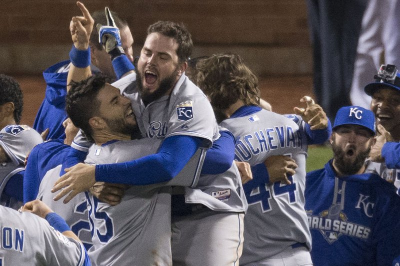 Giants send Royals staff pizza after World Series victory