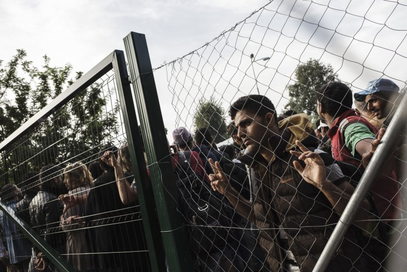 states beegin to bar refugees from Syria
