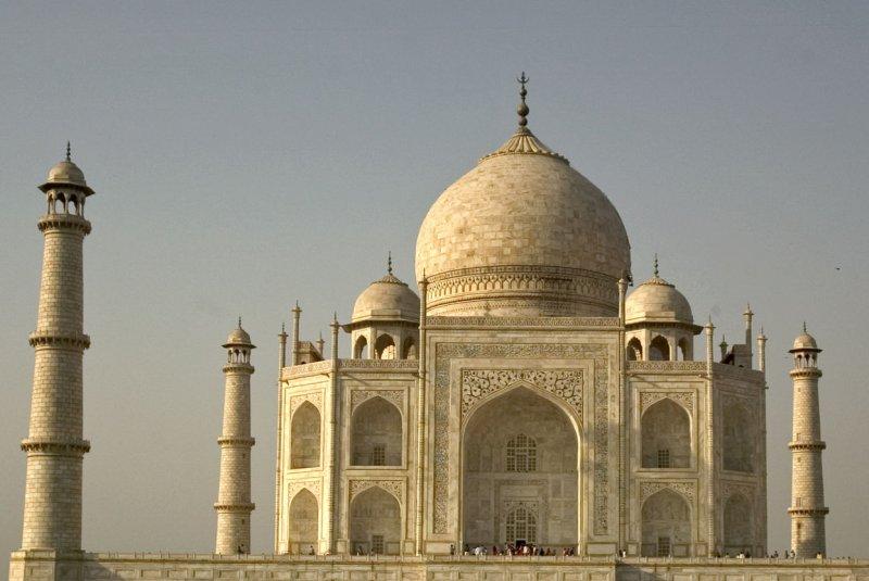 Study Pollutants Changing Taj Mahal S Color Upi Com