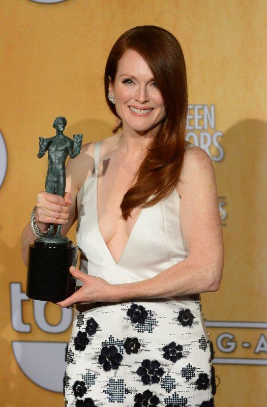 Downton-Abbey-Cranston-Danes-win-SAG-Awards-for-television-drama.jpg