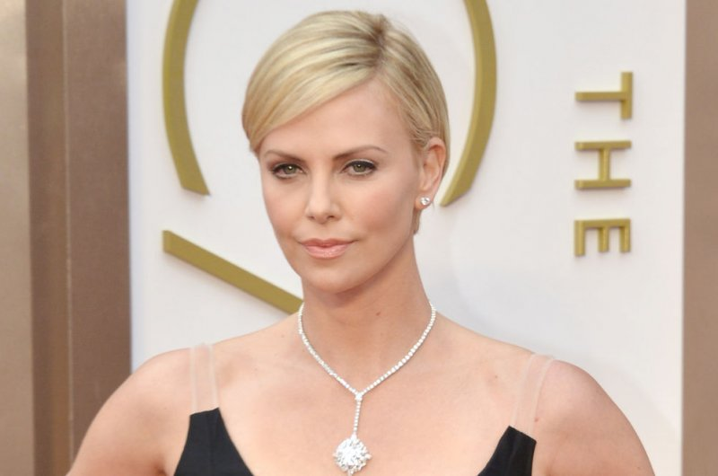 Charlize Theron did no... Charlize Theron Feud