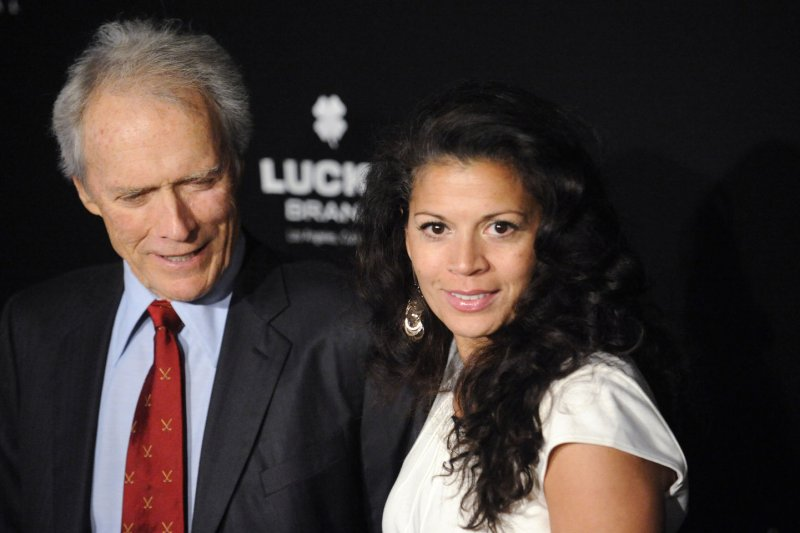 Dina eastwood files for orce from clint eastwood jpg